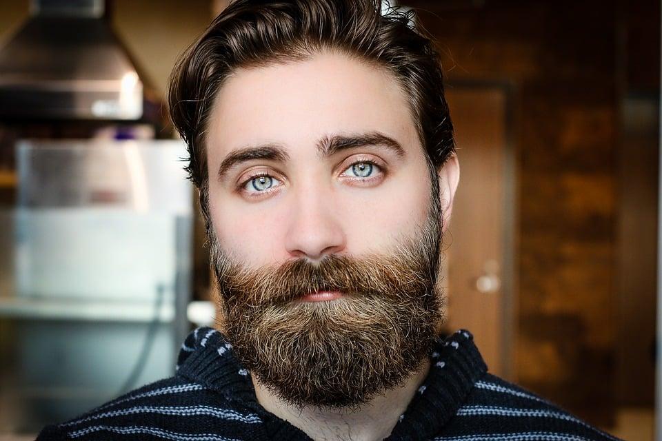 Pulizia viso anche per l'uomo: alcune beauty routine da seguire